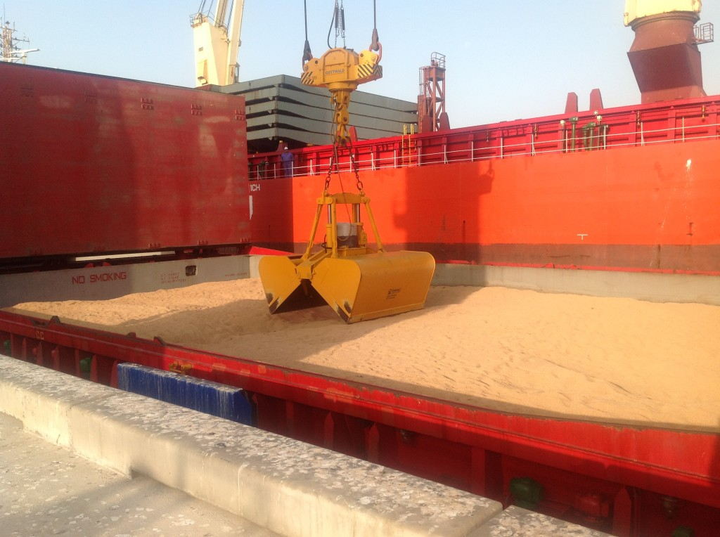 Milestone operation in the Port of Duqm (Oman)
